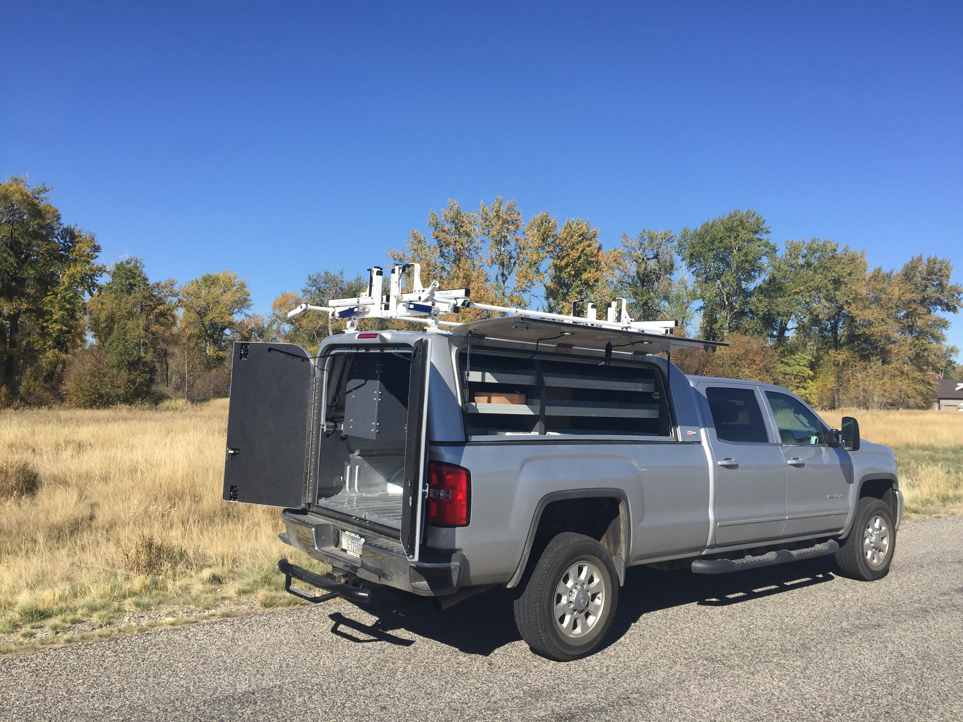 Truck Accessories Yellowstone Toppers And Trailers